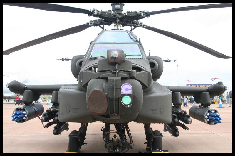 Hélicoptère AH-64 Apache Riat_210