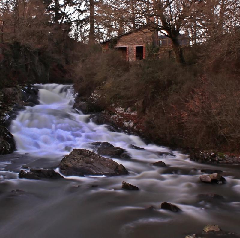 Et au mileu coule une riviere Rivier10