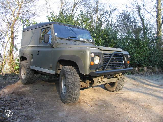 vends Defender 90 200tdi + sankey trailer Land_911