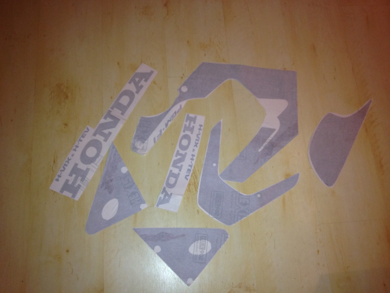 kit stickers pour 929 cb (comme l origine )  Photo210