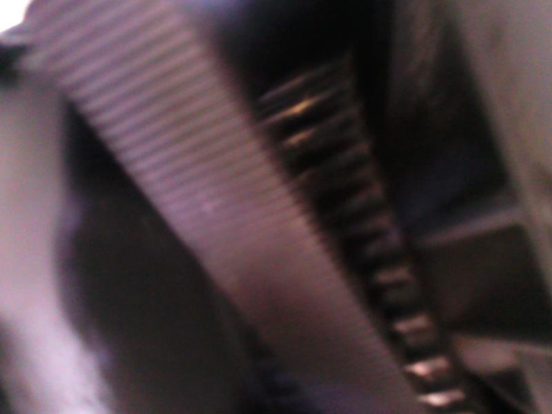 suintement  d'huile au primaire sortie poulie courroie Photo020