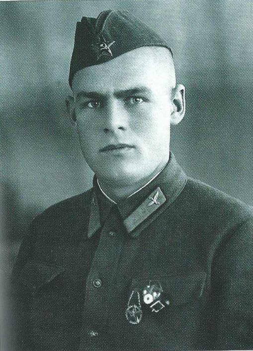 [Soviétique] Le front de l'Est 41-45  - Page 2 Vvs_110