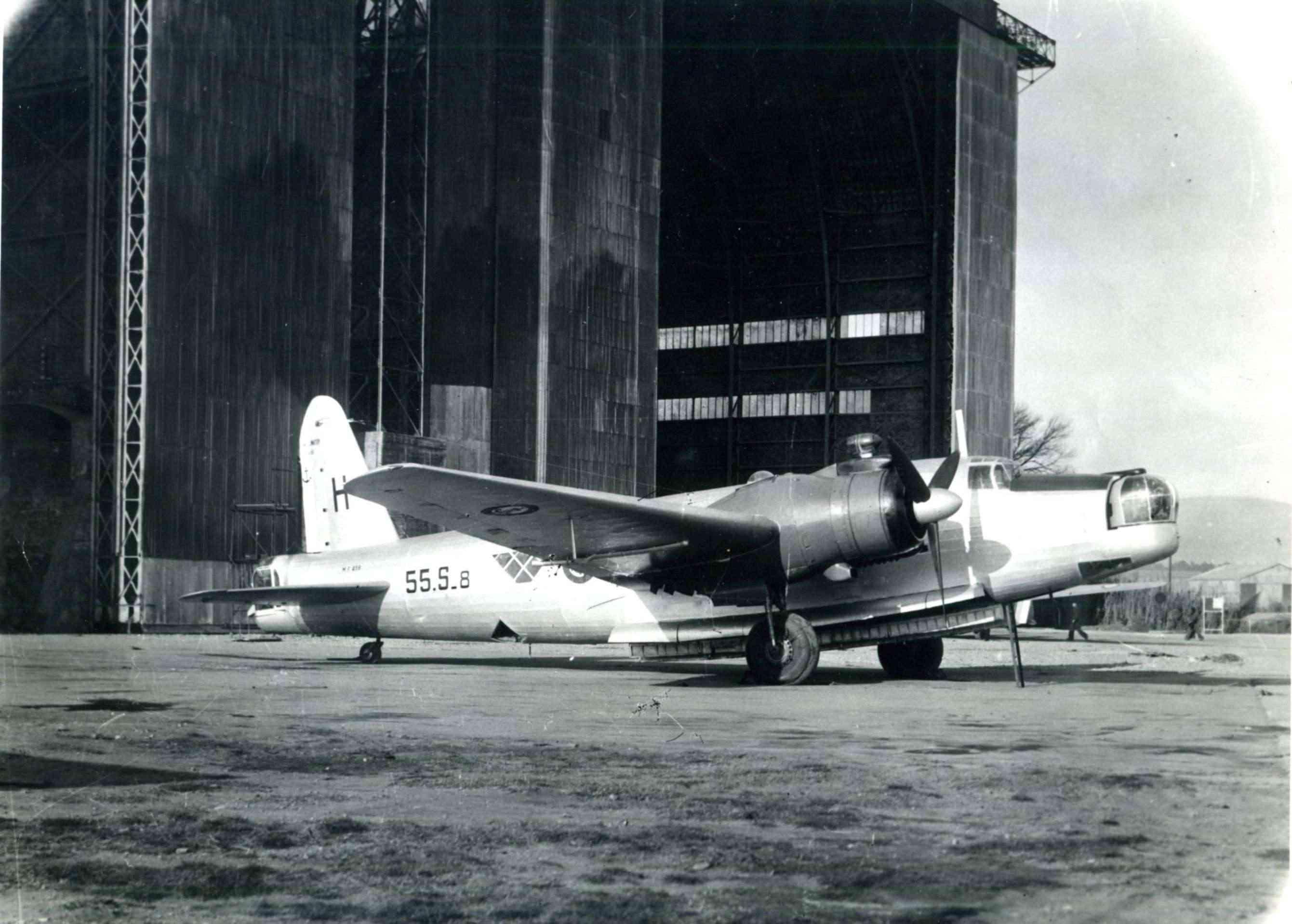 [Les anciens avions de l'aéro] Les Vickers Wellington de l'Aéronavale Wellin10