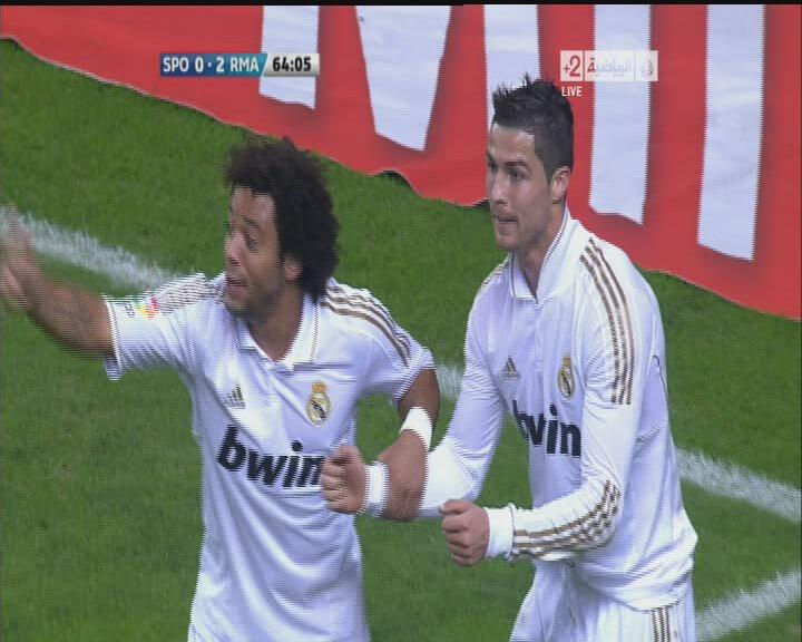 اهداف مباراه ريال مدريد وسبورتينج خيخون في الدور الاول للدوري الاسباني 2011 18158310