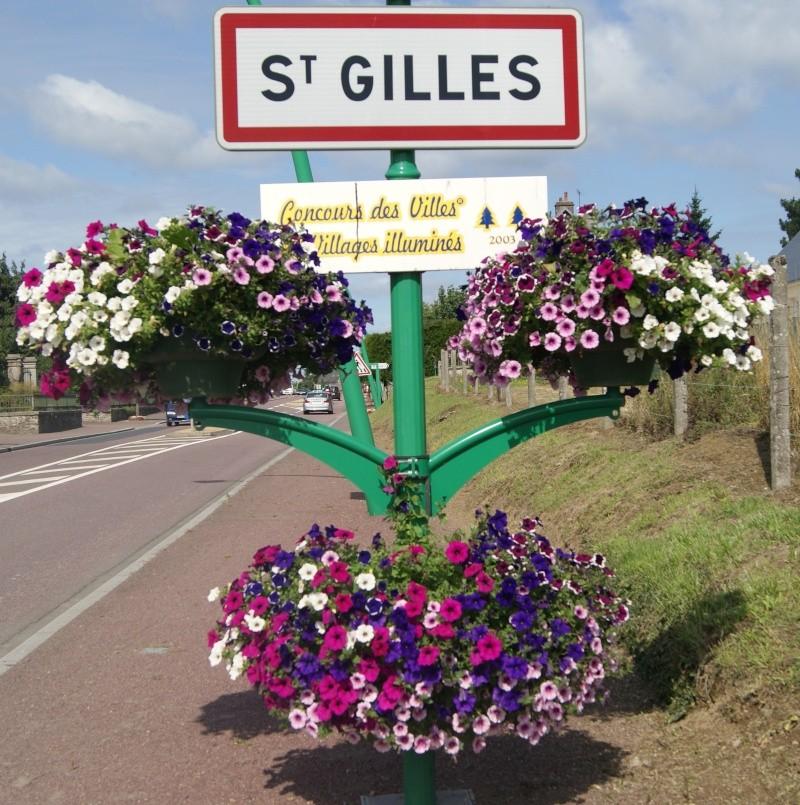 Stèle à Saint-Gilles (Normandie) Dsc07323