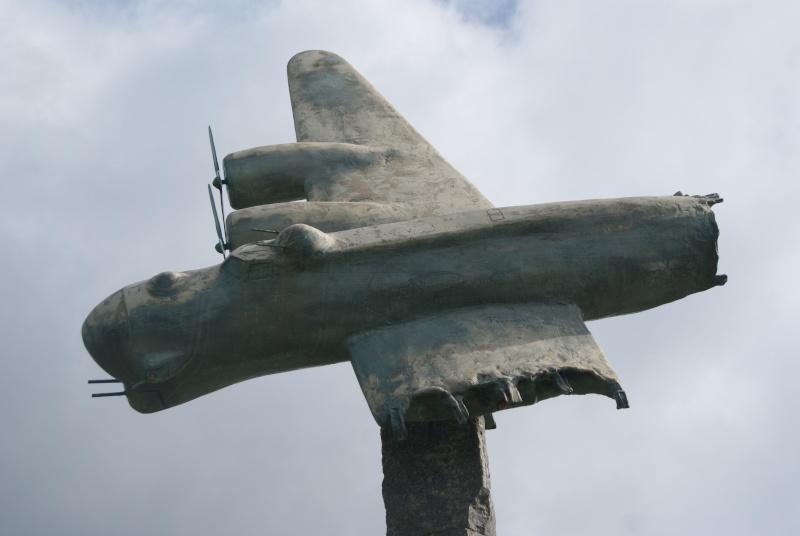 Monument WW2 - Briquebec/Rocheville (Normandie) Dsc07522