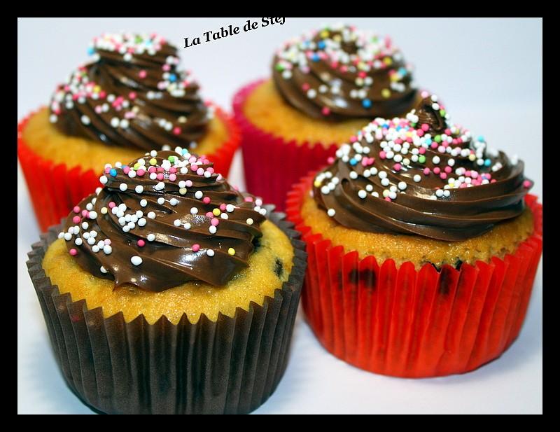 Cupcakes : recettes et décors simples - Page 5 Img_5523