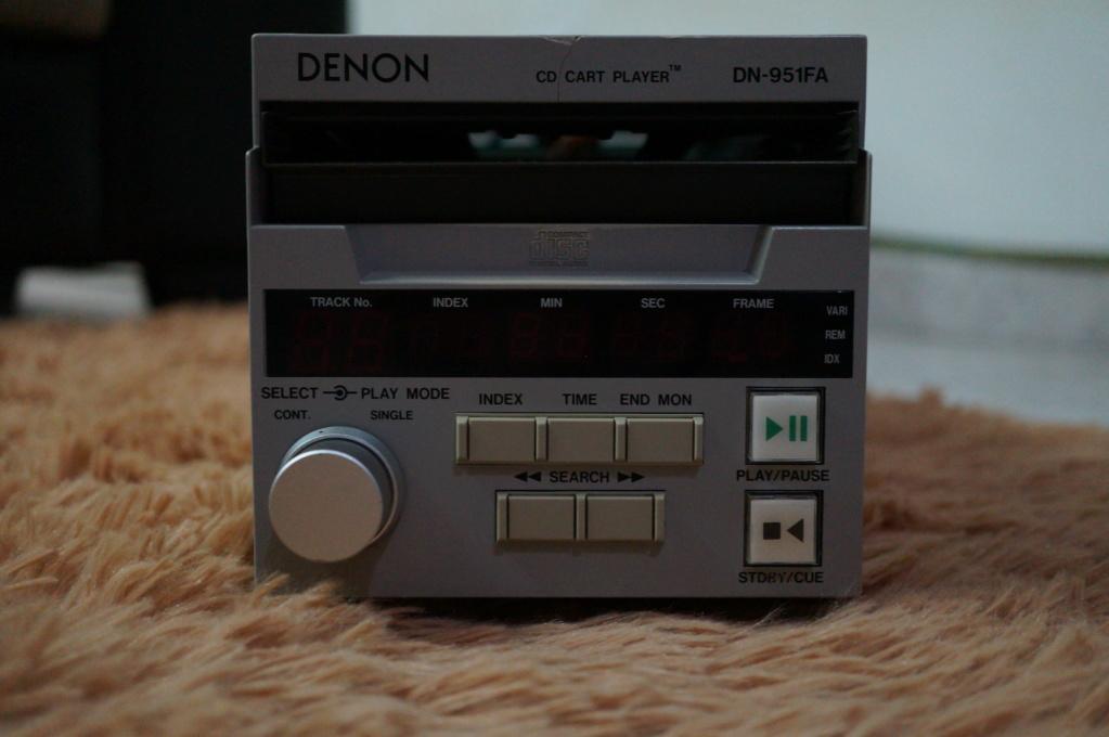Denon DN-951FA Broadcasting studio CD Player Dsc09611