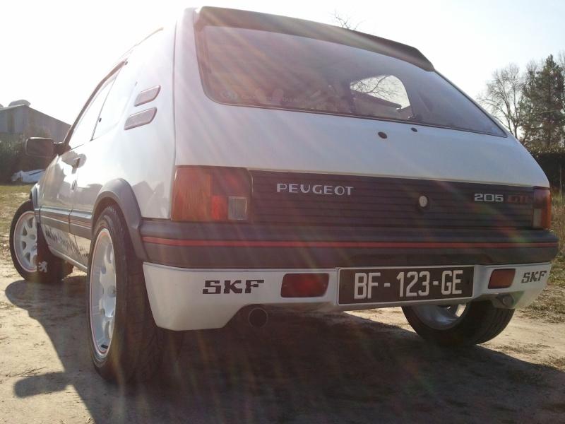 [manu47] 205 GTI 1.6L blanc meige 1987 - Page 5 Photo432
