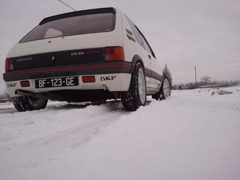 [manu47] 205 GTI 1.6L blanc meige 1987 - Page 6 Photo446