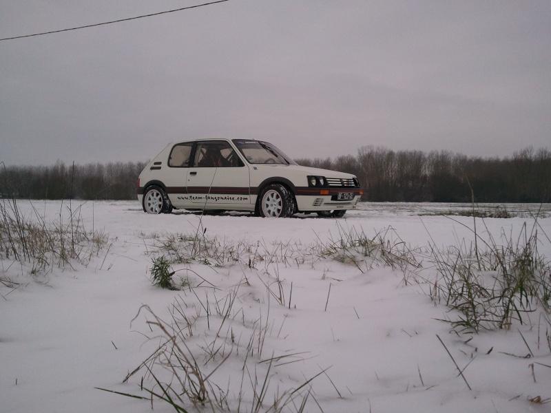 [manu47] 205 GTI 1.6L blanc meige 1987 - Page 6 Photo447