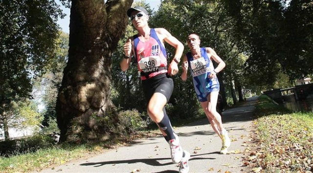 marathon - 10 km et semi marathon de Dole (le 9 octobre 2011) L-an-p11