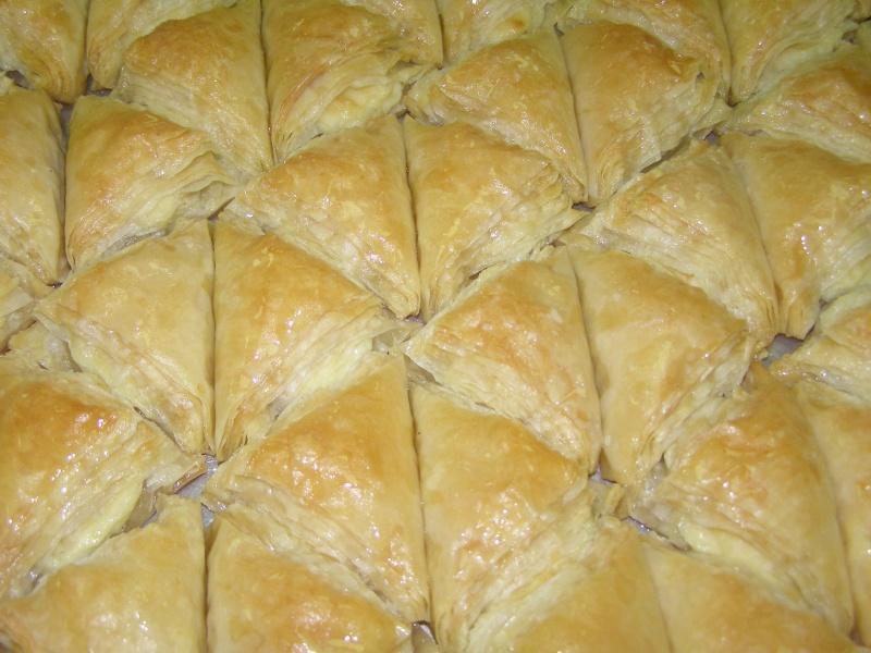 صور حلويات شرقية صور بقلاوة حلاوة الجبن نمورة قطايف قشطة عيون المها P1010111