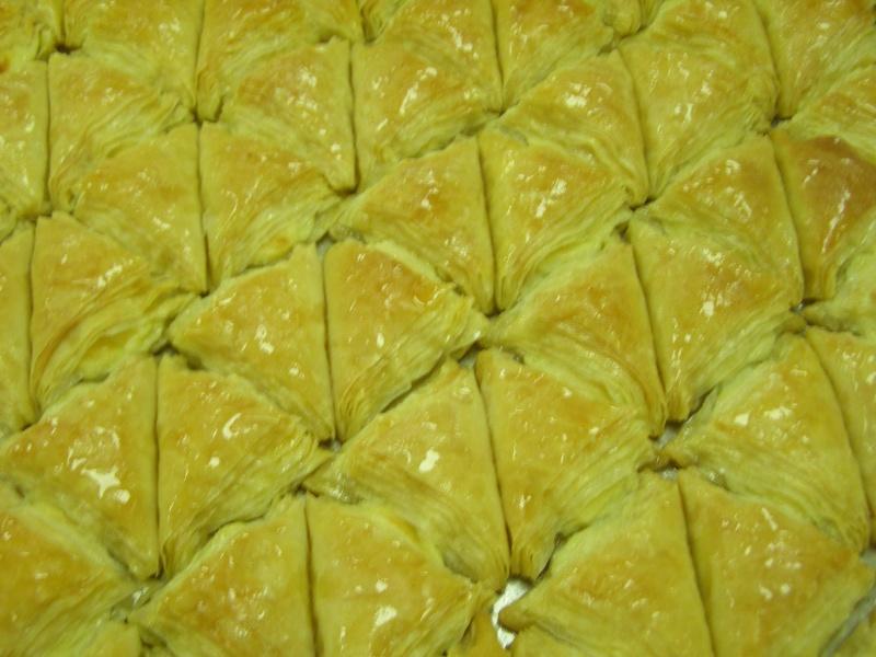 صور حلويات شرقية صور بقلاوة حلاوة الجبن نمورة قطايف قشطة عيون المها P1010112