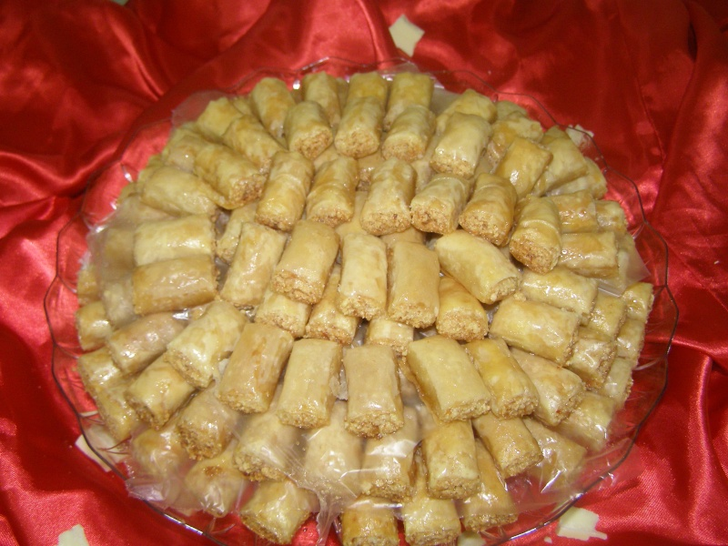 صور حلويات شرقية صور بقلاوة حلاوة الجبن نمورة قطايف قشطة عيون المها P1010115