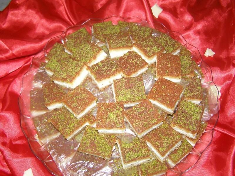 صور حلويات شرقية صور بقلاوة حلاوة الجبن نمورة قطايف قشطة عيون المها P1010117