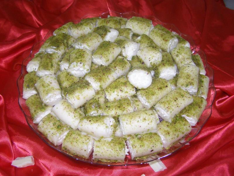 صور حلويات شرقية صور بقلاوة حلاوة الجبن نمورة قطايف قشطة عيون المها P1010122