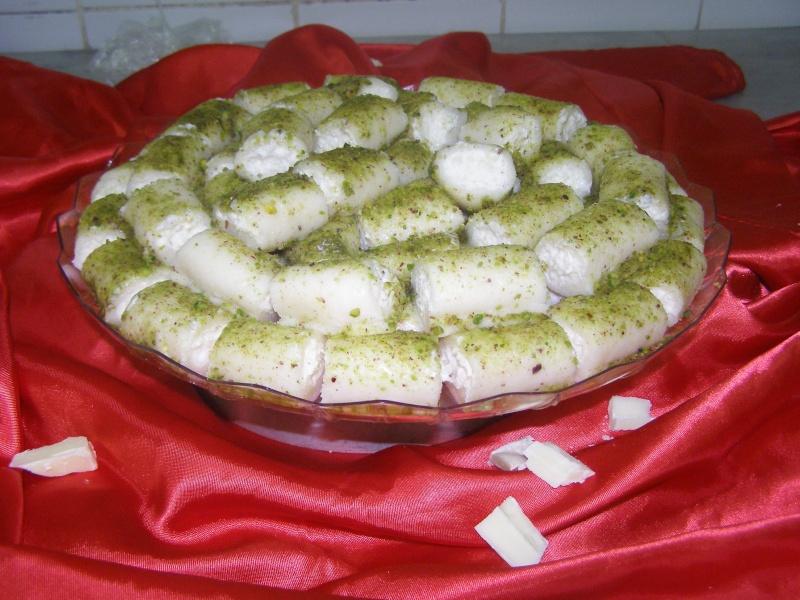 صور حلويات شرقية صور بقلاوة حلاوة الجبن نمورة قطايف قشطة عيون المها P1010123