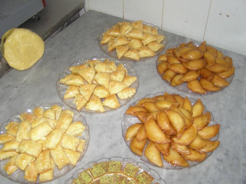 صور حلويات شرقية صور بقلاوة حلاوة الجبن نمورة قطايف قشطة عيون المها P1010126