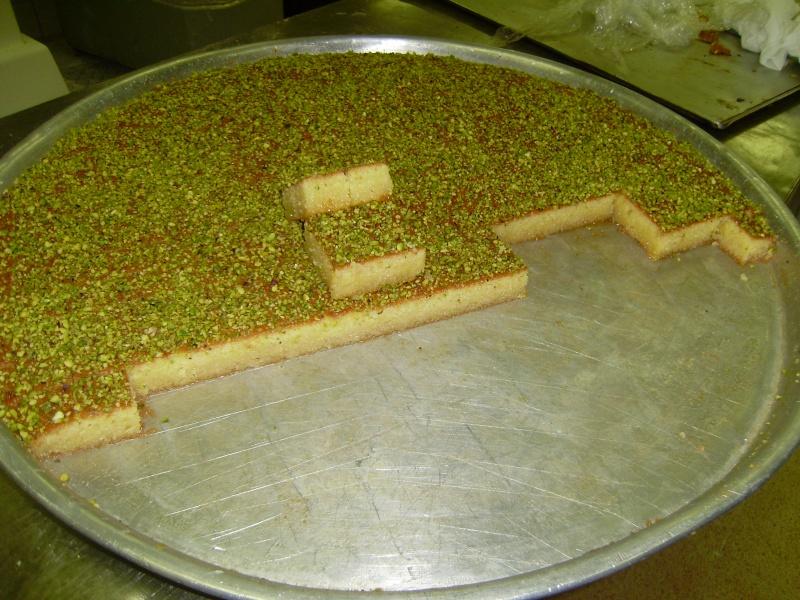 صور حلويات شرقية صور بقلاوة حلاوة الجبن نمورة قطايف قشطة عيون المها Pb100011