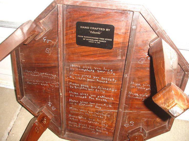 Poesia scritta da Michael sotto un tavolo del Neverland Ranch 40114810