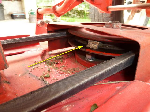 2 problèmes sur tondeuse 1 lame P1100514