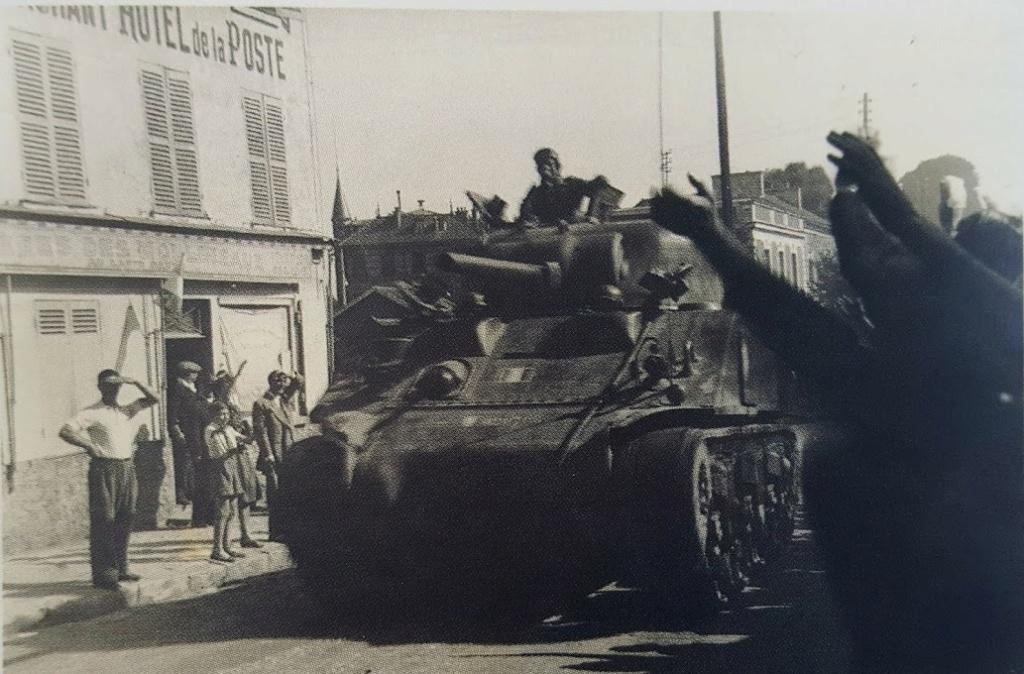 Identification de chars ayant libéré la ville de Meudon. 20180812