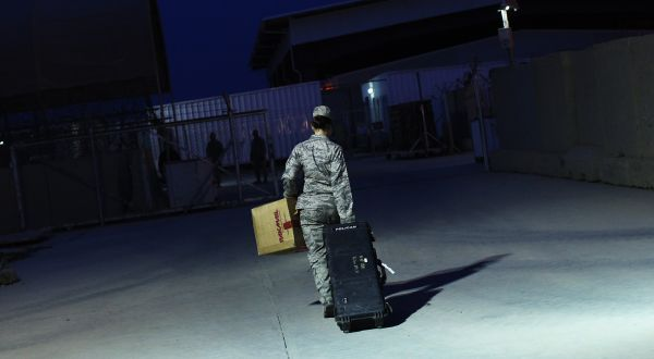 Guerre en Irak - Page 2 Rtr2v810