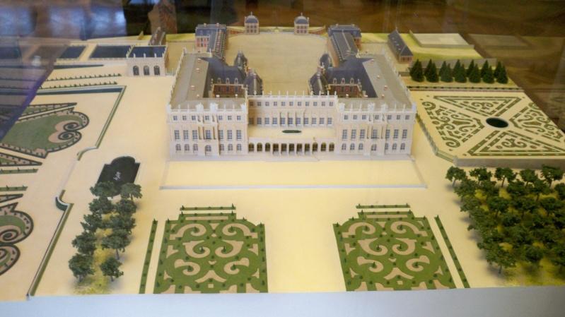 La Galerie de l'Histoire du Château - Page 2 100_5112