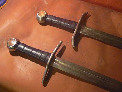Chevaliers et gentes dames d'Occitanie Epées médiévales 12 eme et 13 eme siècle P1130311