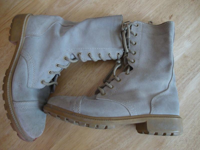 Saudi issue Desert Boots. Dsc05656
