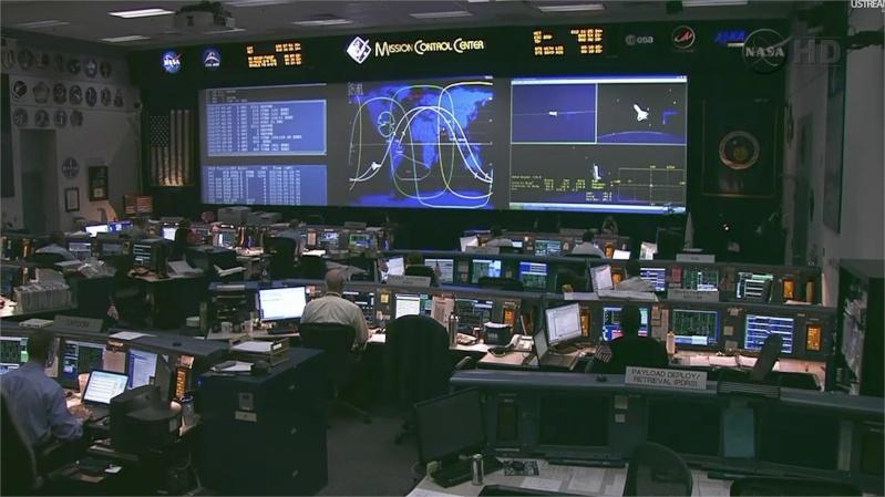 [STS-135] Atlantis: Retour sur terre, 21/07/2011. Adobe_12