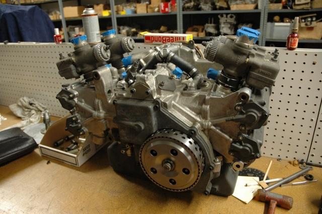 les plus beaux moteurs - Page 3 Bm201010