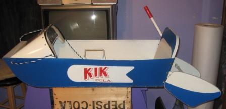 traineau kik cola dans sa boite Img_1111