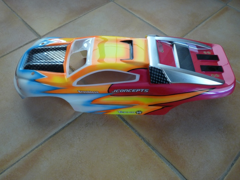 b-revo chassis alu et b-revo chassis carbone - Page 24 P1020432