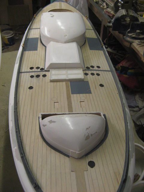 A lifeboat build blog...........How a kit is made! - Page 5 Deck_f20