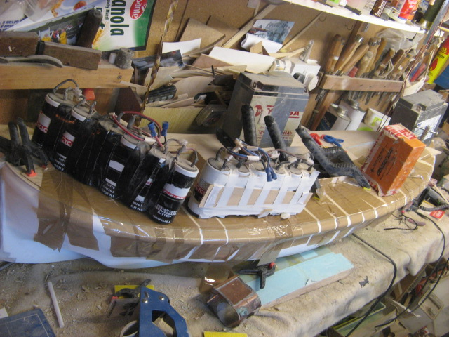 A lifeboat build blog...........How a kit is made! - Page 4 Gluein14