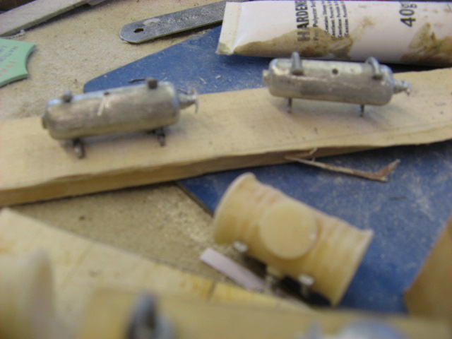 A lifeboat build blog...........How a kit is made! - Page 6 Oil_ta12