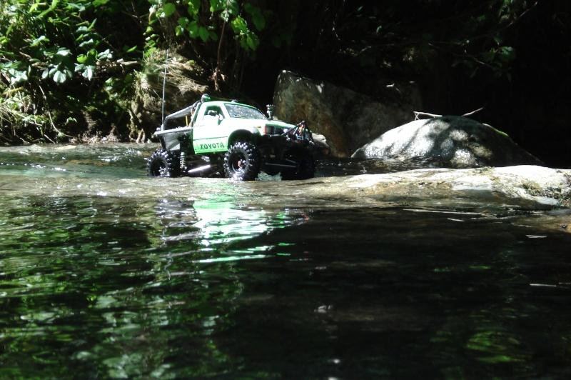 [ SCX10 Axial ] the green hilux   ( long métrage boue  randonnée avec grotte ) - Page 11 Dsc07810