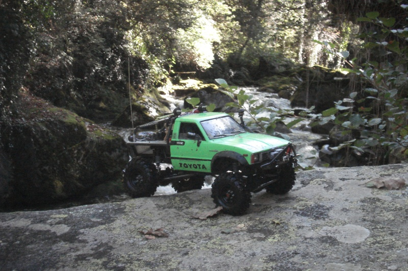 [ SCX10 Axial ] the green hilux   ( long métrage boue  randonnée avec grotte ) - Page 11 Dsc07811