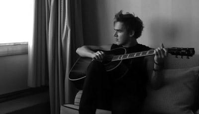 Tonight I stop the fire, tonight I break away #} Tom_0310