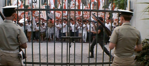 El año que vivimos peligrosamente (1983) El_aao12