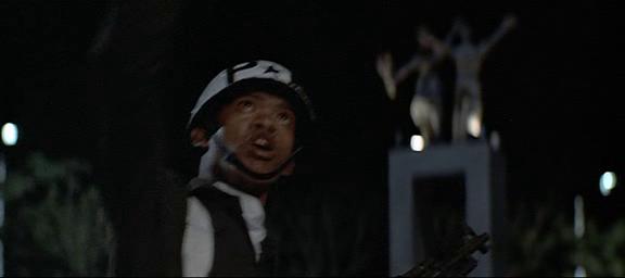 El año que vivimos peligrosamente (1983) El_aao18