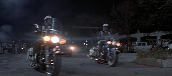 El año que vivimos peligrosamente (1983) El_aao19