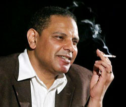لكم دستوركم ولنا الثورة  بقلم د. علاء الأسواني Ouoo_o10