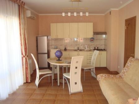Домовладение и гостевой дом в пер.Первомайский Dsc02341