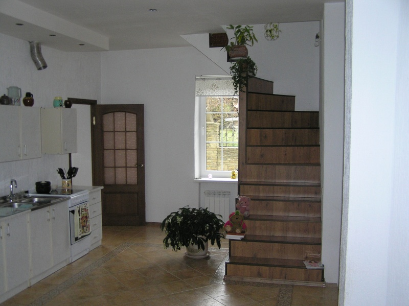 Дома                  Pb220017