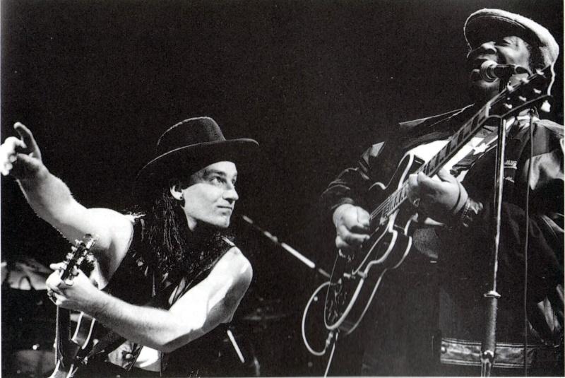 Sexy U2 [Parte 6] - Pagina 19 Bono_b10