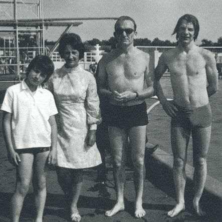 U2 and family - Pagina 21 Bonoki10
