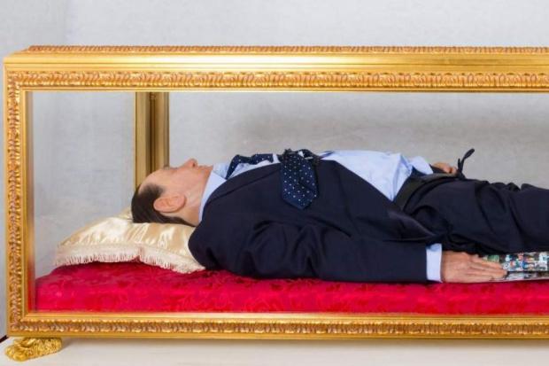 E' morto Berlusconi 2c10